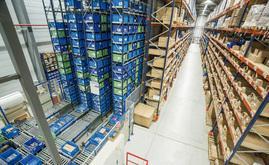 L'entrepôt de Diager peut stocker 7 200 bacs/caisses, plus de 1 800 palettes