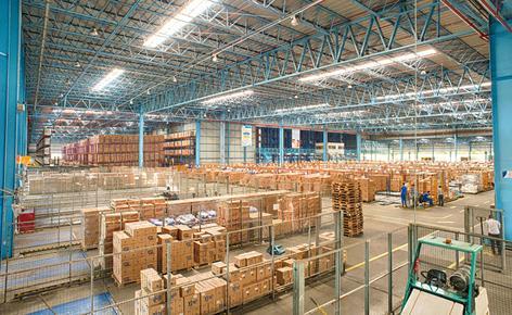 La société Ypê améliore ses performances grâce à un entrepôt automatisé avec préparation de commandes