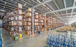 L'entrepôt de DHL peut stocker plus de 90 000 palettes