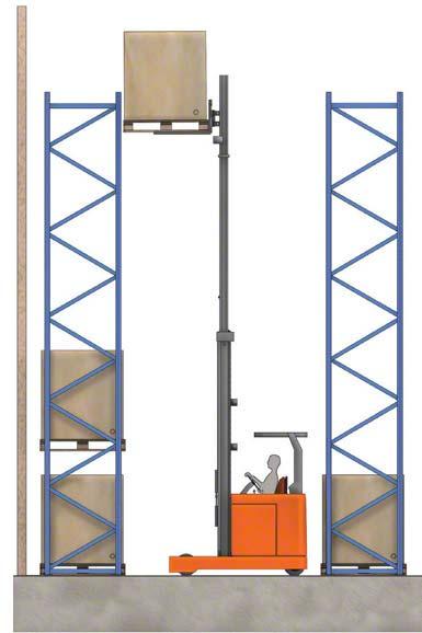 Sommige heftrucks kunnen ladingen meer dan 10 meter hoog heffen