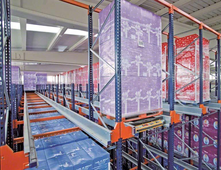 Pallet Shuttle-systeem geïnstalleerd bij een bedrijf in de decoratieve pakpapiersector