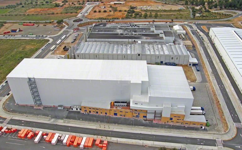 Centraal magazijn voor de productie en distributie van diepvriesdeeg voor de levensmiddelenindustrie