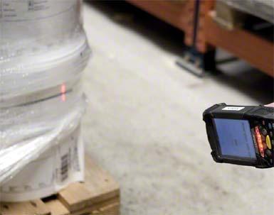 Door RFID (radio-frequency identification) wordt de gecodeerde informatie van de pallet ingelezen