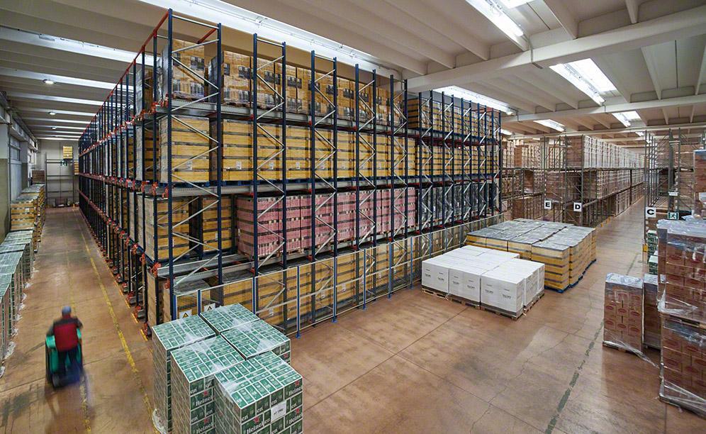 Un entrepôt d'opérateur logistique pouvant accueillir plus de 3000palettes