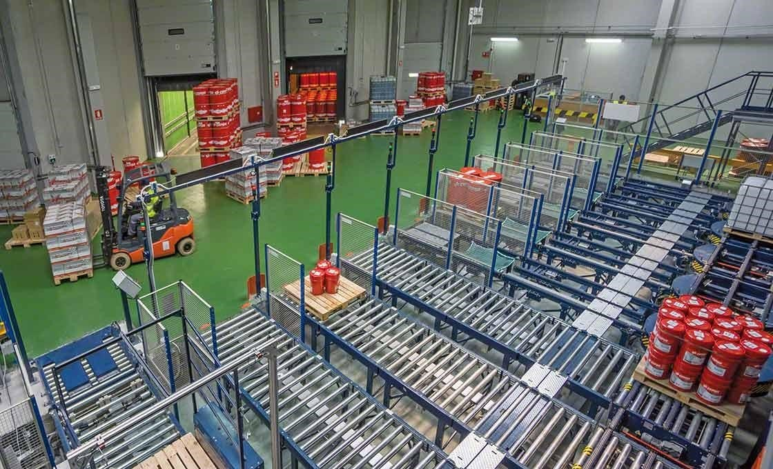 Les solutions de stockage automatisé améliorent le chargement et le déchargement des marchandises, un élément crucial pour la méthode du juste-à-temps en logistique