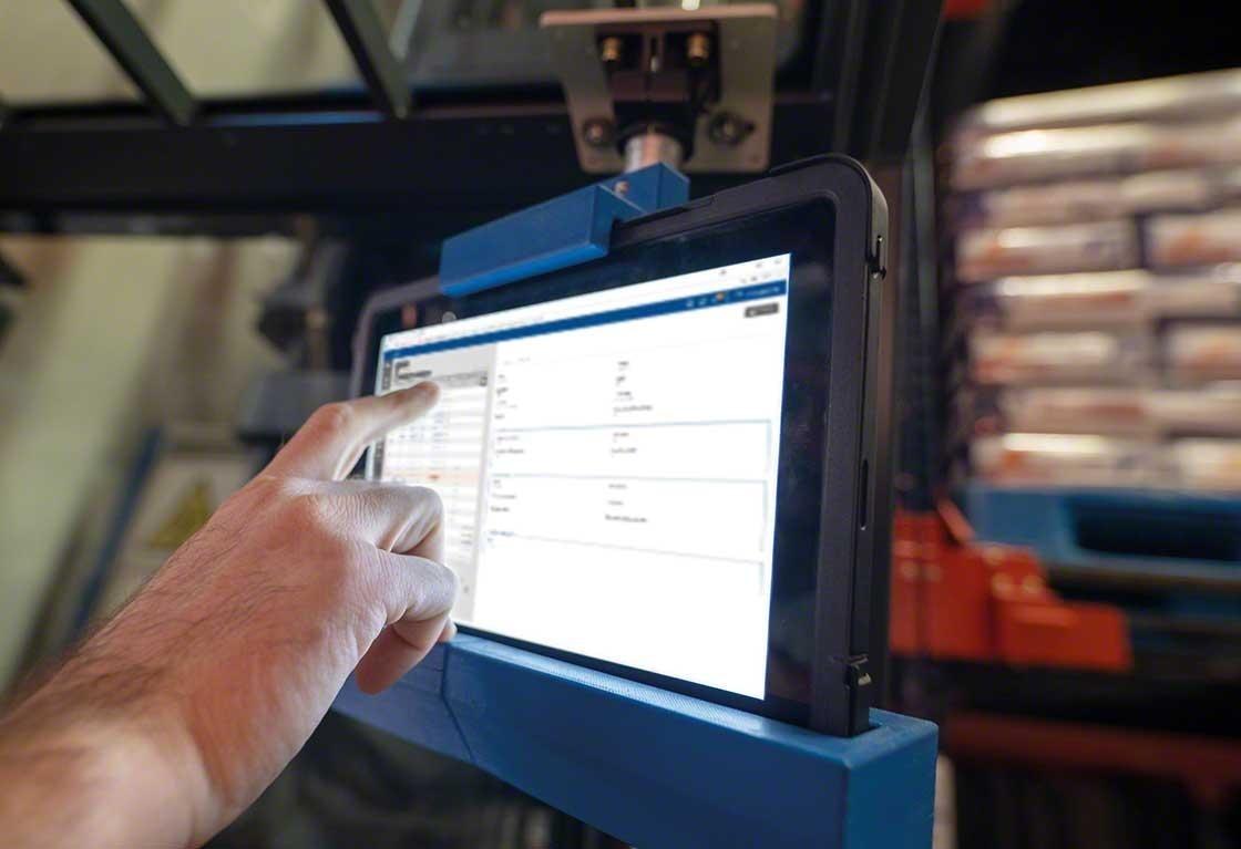 Mecalux vous propose d'installer son logiciel Easy WMS (SaaS ou on-premise), ainsi que le matériel informatique nécessaire à son utilisation.