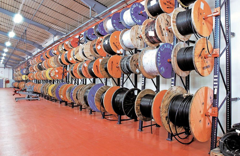 Houten bobijnen of haspels voor kabels
