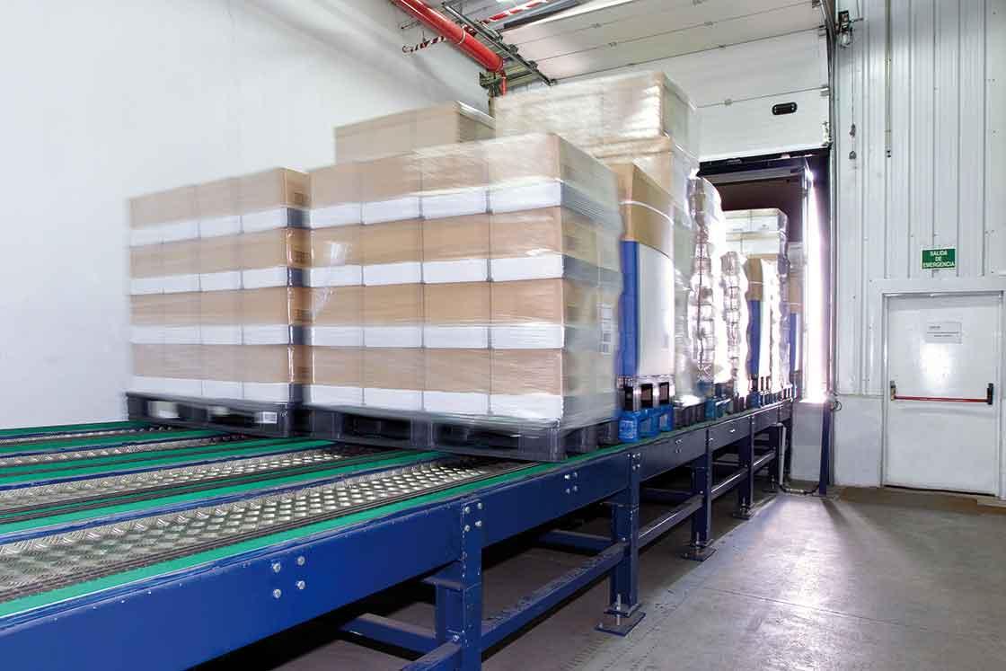 Les plateformes de chargement automatisé permettent d'accélérer le processus d'expédition de marchandises.
