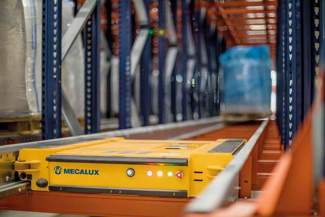 Les solutions de stockage automatisé transmettent chaque donnée et mouvement au WMS, des informations fondamentales pour déterminer les points de commande.