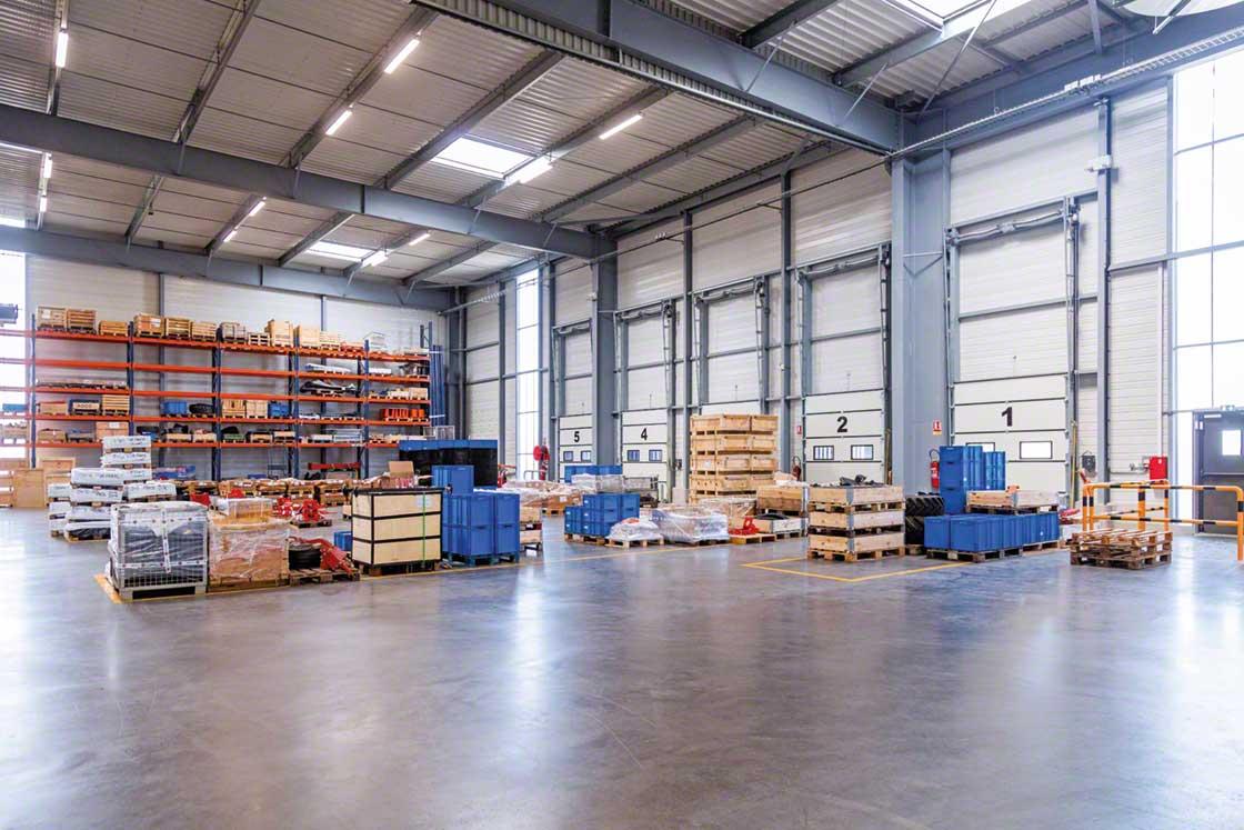Easy WMS affecte automatiquement les marchandises à une zone tampon, pour ensuite être directement chargées dans le camion
