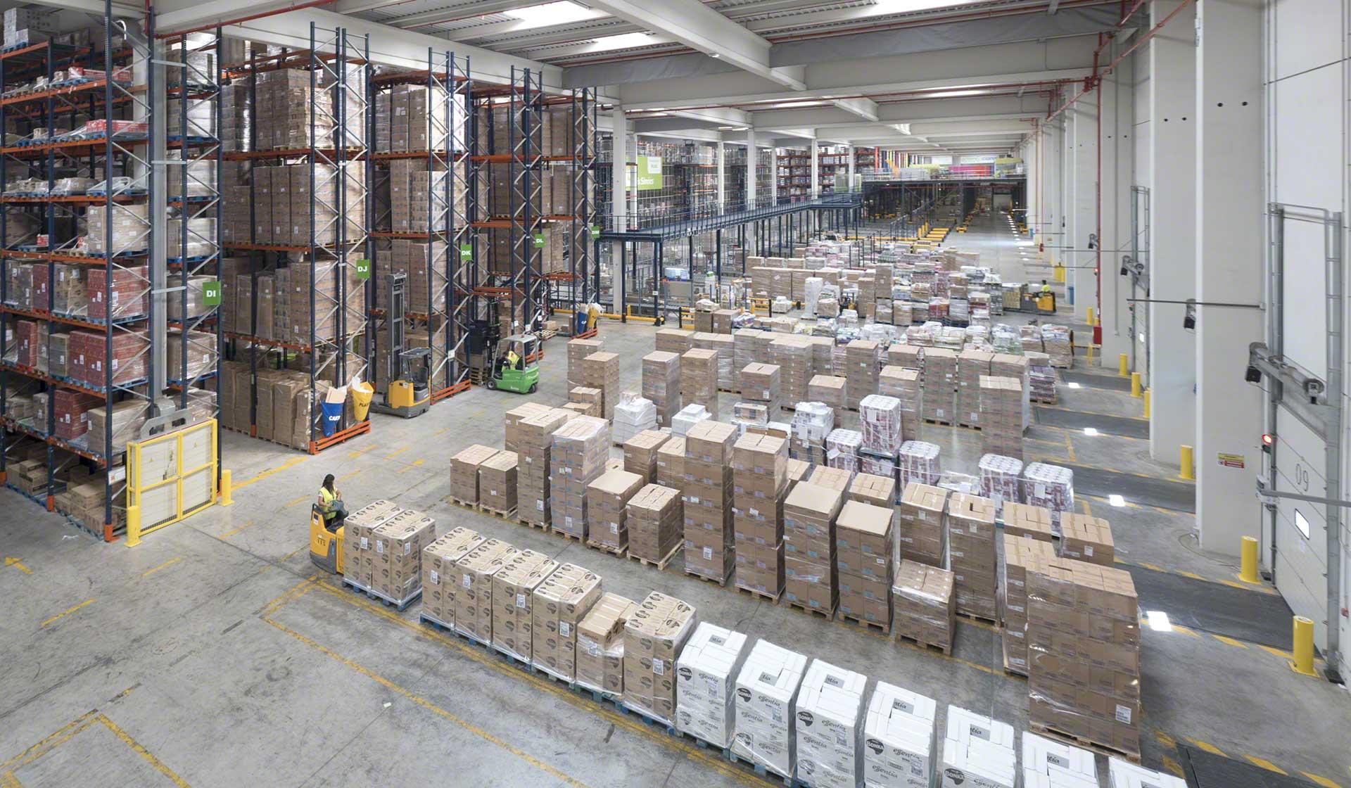 L'application de techniques d'amélioration continue assure la réduction des coûts logistiques et l'augmentation de la productivité de votre entrepôt