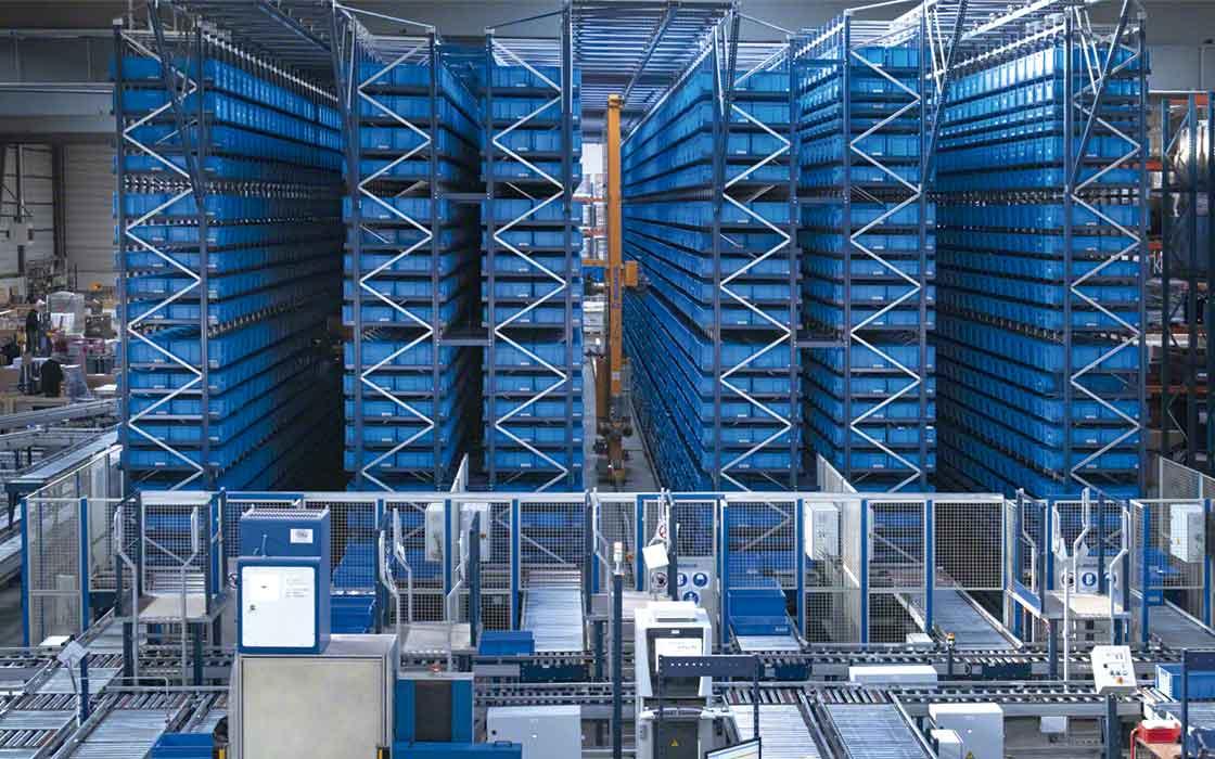 Les rayonnages à accès direct des entrepôts automatisés peuvent être à simple ou double profondeur