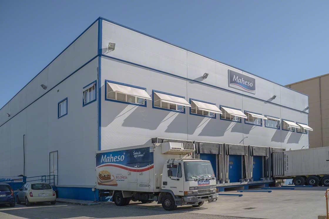 Entrepôt de transit de Maheso à Séville disposant d'une chambre de congélation desservie par le système Pallet Shuttle semi-automatique
